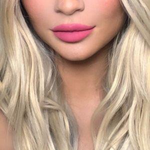 Kylie Cosmetics Makeup - Kylie Jenner lip kit liquid lipstick & liner 21